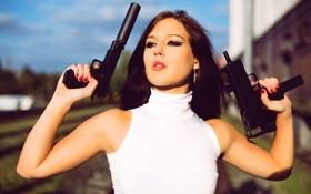 Картинка девушка, пистолет, оружие, размытость
