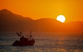 Обои море, солнце, закат, горы, корабль, Китай