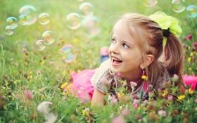Картинка HD wallpape, трава, лето, луг, мыльные пузыри, улыбка, фон