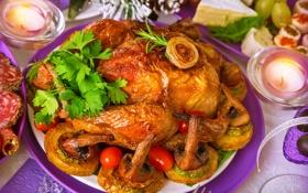 Обои праздник, грибы, курица, свечи, петрушка, жареная, гарнир
