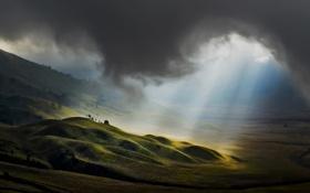 Обои облака, ландшафт, холмы, свет, лучи, тучи, поля