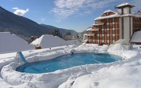 Картинка снег, горы, дом, бассейн, красная поляна
