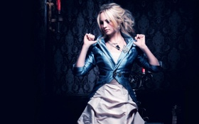 Картинка взгляд, фон, темный, блондинка, комнота, Candice Accola