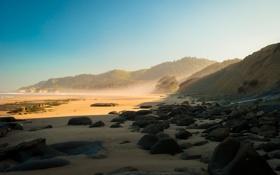 Обои песок, камни, берег, солнце, холмы, тень, море