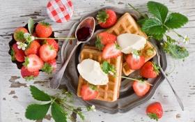 Обои ягоды, еда, завтрак, клубника, вафли, джем, пломбир