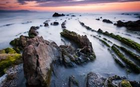 Обои море, закат, камни, хребет
