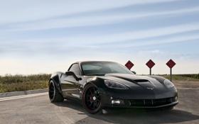 Обои чёрный, Z06, Corvette, Chevrolet, шевроле, black, дорожный знак
