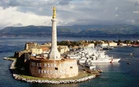 Картинка город, надпись, маяк, корабли, скульптура, гавань, италия