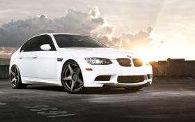 Картинка белый, небо, солнце, облака, бмв, BMW, white