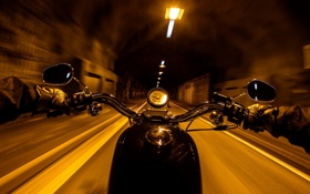 Обои ночь, город, улица, мотоцикл