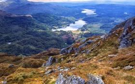 Обои камни, трава, Шотландия, озера, панорама, склон, горы