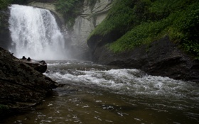 Обои вода, скала, растительность, водопад