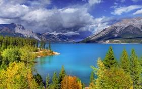 Обои облака, осень, небо, озеро, alberta, деревья, banff national park