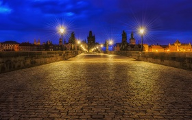 Обои Чешская, Česká republika, фонари, квартал, брусчатка, Карлов мост, Praha