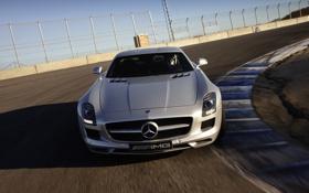Обои авто, забор, Mercedes-Benz, трасса