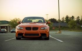 Обои оранжевый, bmw, бмв, фонарь, парковка, передок, orange