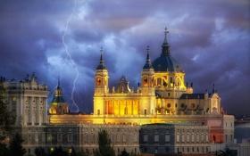 Обои небо, пейзаж, тучи, молния, собор, Испания, купол