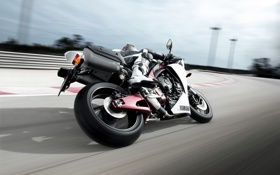 Обои yamaha, wallpaper, едет, трасса, обои, гонщик, мотоцикл