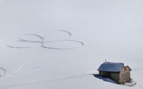 Обои снег, следы, романтика, домик