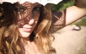 Картинка девушка, тень, шляпа