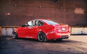 Обои бмв, bmw, e90, седан, отражение, стена кирпичная, red