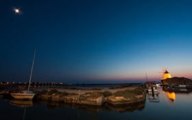 Обои ночь, луна, лодка, бухта, гавань, ветряная мельница