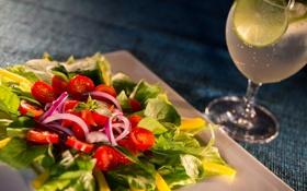 Обои бокал, коктейль, овощи, салат