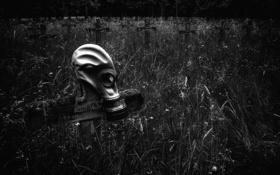 Обои трава, мрак, кресты, кладбище, противогаз