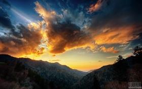 Обои небо, облака, закат, горы, даль, photographer, Aaron Woodall