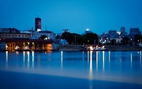 Картинка ночь, огни, река, берег, причал, катера, Сербия