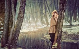 Картинка лес, деревья, река, зима. девушка