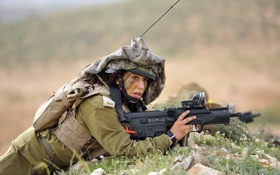 Обои девушка, оружие, армия