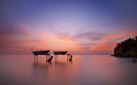 Обои море, закат, гладь, остров, лодки, сумерки