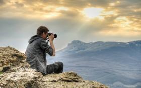Обои горы, романтика, фотограф, солнечные лучи