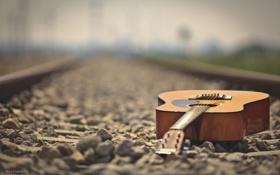 Обои галька, камни, гитара, ж/д пути