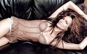 Картинка девушка, диван, волосы, лежит, кожаный, Alexandra Kamp