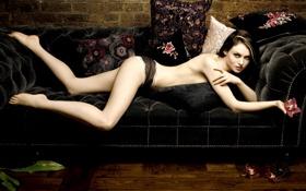 Картинка диван, чёрный, певица, bextor