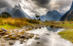 Картинка осень, трава, вода, горы, тучи, камни, Новая Зеландия