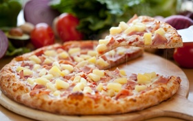 Обои зелень, сыр, лук, доска, ананас, пицца, помидор
