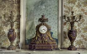 Картинка часы, зеркало, рюмка, подсвечники