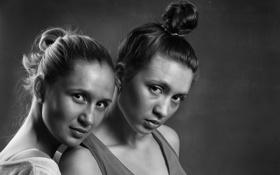Картинка girls, two, look, black&white