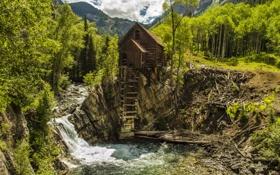 Обои лес, деревья, горы, камни, течение, водопад, сооружение