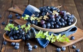 Обои красный, ягоды, виноград, доска, натюрморт, грозди