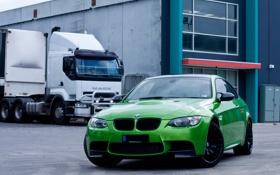 Обои зеленый, green, bmw, бмв, грузовик, вид спереди, e92