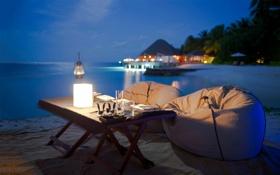 Обои тропики, океан, лампа, вечер, столик