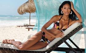 Картинка пляж, секси, шезлонг, красавица, мулатка, бикини, EMANUELA DE PAULA