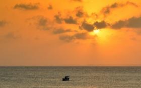 Обои море, облака, закат, жёлтый, лодка, горизонт, Бразилия