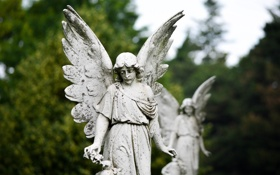 Обои скульптура, город, крылья, печаль, ангел