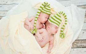 Обои дети, одеяло, малыши, шапочки, спят, младенцы