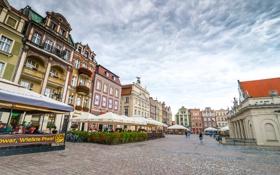 Обои цветы, город, здания, дома, Польша, кафе, велосипеды